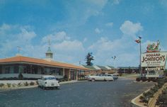 Uniontown Motel & Howard Johnson's Restaurant - Uniontown, Pennsylvania by The Pie Shops Collection, via Flickr