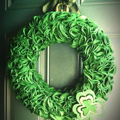 St Patrick's Day wreath!! Great job Jennifer Lang!! :)