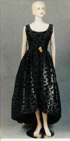 Couturier Balenciaga  Type Even. dress/ball gown/ensemble  Country France  Date 1958c