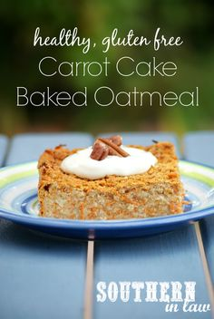 Carrot Cake Baked Oatmeal - a healthy breakfast that tastes totally decadent! Top it with a healthy cream cheese frosting mix or eat it straight up. This recipe is gluten free, low fat, sugar free and clean eating friendly
