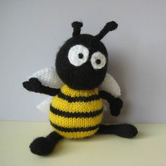 Bumble the Bee in DK by Amanda Berry - Digital Version | New Products | Deramores
