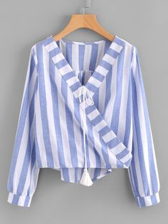 Tie Blouse, Shirt Blouses, Fall Shirts, Blouse Online, Mom Outfits, Western Outfits, Ladies Dress Design, Corsage, Blouse Designs