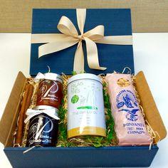 Geschenkbox mit Tee und Fruchtaufstrich Drinks, Guy Presents, Gifts For Women, Special Gifts, Gift Cards, Xmas Presents, Drinking, Drink, Cocktails