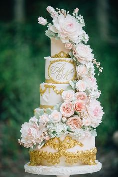 Fairy tale inspired wedding cake - click on the image to see our full gallery of how you can include more Disney in your wedding.