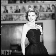 Grace Kelly--one of the most beautiful, elegant women ever to have walked the earth