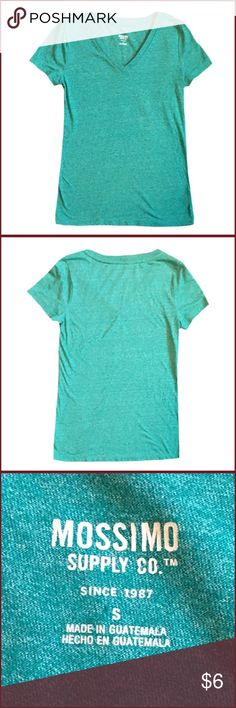 🔥🔥SALE🔥🔥Mossimo Size Small Short Sleeve Shirt Gently used Mossimo Supply Co size small teal v-neck short sleeve shirt. Very cute color! Mossimo Supply Co. Tops Tees - Short Sleeve