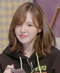 Kpop Girl Groups, Kpop Girls, Short Hair Cuts, Short Hair Styles, Wendy Son, Red Velet, Red Velvet Photoshoot, Velvet Wallpaper, Human Bean