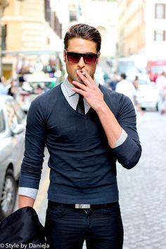 Street fashion. Those glasses made my day.   #men // #fashion // #mensfashion