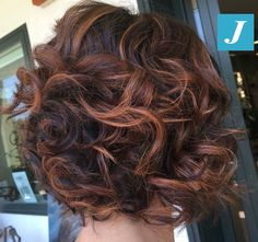 Un'idea easychic per la tua estate? Degradé Joelle e la leggerezza del Taglio Punte Aria. #cdj #degradejoelle #tagliopuntearia #degradé #igers #musthave #hair #hairstyle #haircolour #longhair #ootd #hairfashion #madeinitaly #wellastudionyc