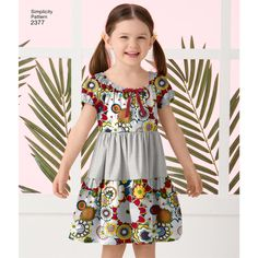 Simplicity 2377 Child's easy-to-sew peasant dress with skirt, bodice and variations. Girls Dresses, Summer Dresses, Dresses For Sale, Simplicity Sewing Patterns, Baby Sewing, Sewing Clothes, Kids Wear, Shorts, Frocks