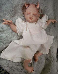 It's Halloween: Let's Talk Creepy Dolls!  Awww!!!! How cute!!!!! NOT!!!!!  LOL!