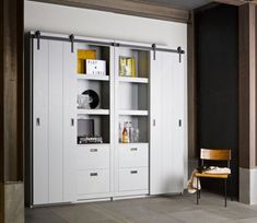 Armoire design bois porte coulissante Barn by Drawer Small Living Rooms, Home And Living, Living Spaces, Rustic Bar Cabinet, Interior Design Living Room, Room Interior, Tall Cabinet Storage, Locker Storage, Armoire Design