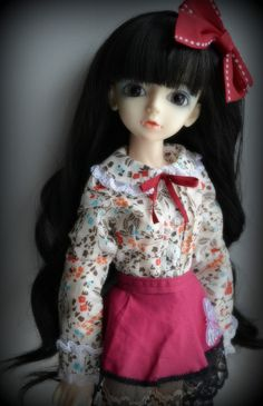 Snow (Lati Blue Cara Vampire) on Iplehouse wig and Dollheart outfit, via Flickr.