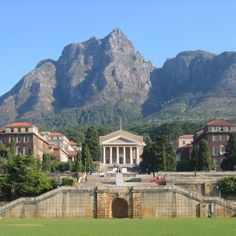 University of Cape Town | Study Abroad | Arcadia University | The College of Global Studies | South Africa | Stunning location for a prestigious institution with a wide range of courses