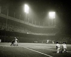 Baseball Park, Giants Baseball, Baseball Players, Baseball Games, New York Giants, New York Yankees, Ny Yankees, Dodgers, Dodger Game