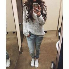 Chunky sweater+boyfriend jeans+white converse=relax outfit