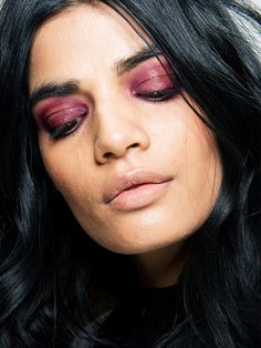 Festival makeup doesn't have to mean stepping out of your comfort zone and drowning in glitter. We reveal 15 chic looks to try this year.