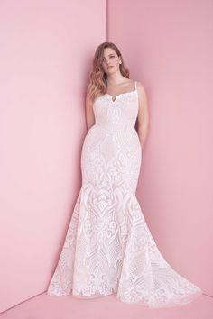 35 Designer Plus Size Wedding Dresses We Love