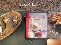 """Laura scatta questa foto: ma non può immaginare quale storia leghi questi due libri! Francine Segan (l'autrice di """"Dolci, Italy's sweets) è stata quella che mi ha dato l'input per mettermi alla ricerca della vera identità di Nonna Papera: è lei la giornalista americana di cui ho parlato nel racconto di quell'incredibile avventura! E """"Fragole a merenda"""" è citato in una delle pagine finali di """"Sweets"""". Ditemi voi se questa storia non ha dell'incredibile... #quifragoleamerenda"""