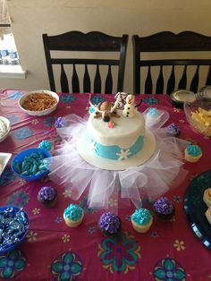 Frozen birthday party food table