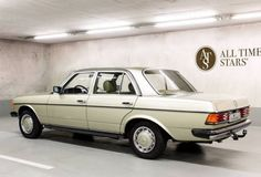 Learn more about Ex-Factory Museum: 1980 Mercedes-Benz 300 D on Bring a Trailer, the home of the best vintage and classic cars online. Mercedes Benz Maybach, Mercedes Models, Nissan 370z, Nissan Gt, Benz E Class, Classic Mercedes, Lamborghini Gallardo, Classic Cars Online, Dream Cars