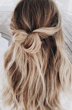 love this | low maintenance, half up, updo, hairstyle, hair inspiration, everyday, bayalage, balayage, easy, diy ideas, casual, minimalist, minimalism, minimal, simplistic, simple, modern, contemporary, classic, classy, chic, girly, fun, clean aesthetic, bright, pursue pretty, style, neutral color palette, inspiration, inspirational, diy ideas, fresh, stylish,