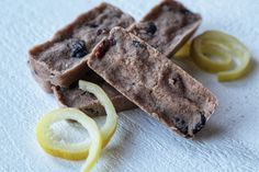 I put a new spin on my Vanilla Blueberry Bars just in time for warm summer.  I love the tangy flavor of lemon so I created these bars with that in mind.&n
