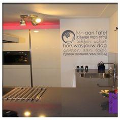 Muursticker Tekst Keuken Fijn aan tafel | Saynomorewebshop.nl