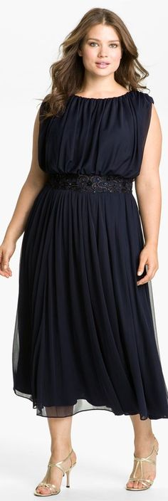Love it! Looks stylish AND comfortable. CAN ANYONE TELL ME WHERE I CAN FIND THIS? Alex Evenings #plus #size #dress