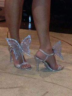 Fairy tale looking shoes... I really want a reason to wear these.