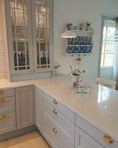 Kitchen Wall Cabinets, Ikea Kitchen, Kitchen Reno, Home Decor Kitchen, Kitchen Interior, Grey Kitchens, Modern Farmhouse Kitchens, Country Kitchen, Cool Kitchens