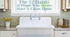 Have you always longed for a clean home? The habits of people who always have a spotless house may surprise you. They are simple and easy to implement. Household Cleaning Tips, House Cleaning Tips, Spring Cleaning, Cleaning Hacks, Daily Cleaning, Organizing For A Move, Clean Bedroom, Getting Rid Of Clutter, Declutter Your Home