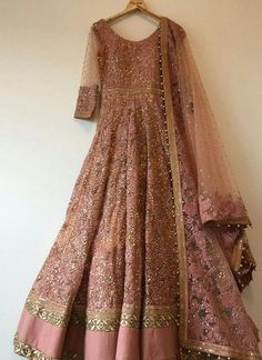 Ideas Indian Bridal Wear Saree Products For 2019 Indian Wedding Gowns, Indian Gowns, Indian Bridal Wear, Indian Attire, Indian Ethnic Wear, Indian Outfits, Wedding Dresses, Pakistani Party Wear, Pakistani Wedding Outfits
