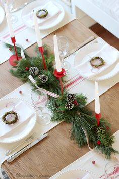 Small table runners as placemats Modern Farmhouse centerpiece - Christmas decor Christmas Dining Table, Christmas Table Settings, Christmas Tablescapes, Farmhouse Christmas Decor, Christmas Table Decorations, Decoration Table, Rustic Christmas, Holiday Decor, Holiday Tablescape