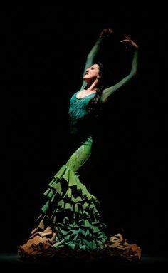 Maria Pages 💕 Flamenco Costume, Flamenco Dancers, Dance Costumes, Flamenco Dresses, Dance Art, Jazz Dance, Praise Dance, Praise God, Dancer Drawing