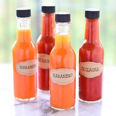 DIY Hot Sauce (Habanero & Sriracha) - perfect homemade gift for the hot sauce lover in your life!