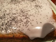 Lemon and Poppy Seed Cake Super simple and moist. Give it a go today. Good combination of flavours. Poppy Seed Cake, One Pot Dishes, Super Simple, Poppies, Seeds, Lemon, Vegetarian, Cakes, Baking