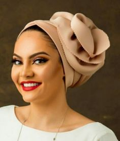Where can I find one like this? African Head Scarf, African Head Wraps, African Attire, African Fashion Dresses, Doek Styles, Mode Turban, Fascinator Hats, Fascinators, Head Scarf Styles