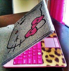 Someone please come do this to my laptop. #hellokitty #cheetah #love
