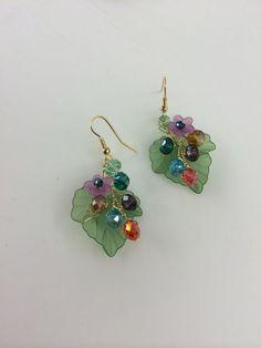 Flower earings / Dangle Earings / Wire wrapped by FlowerRainbow Wire Wrapped Earrings, Wire Earrings, Wire Jewelry, Earings Dangle, Jewelry Crafts, Earrings Handmade, Beaded Jewelry, Handmade Jewelry, Flower Earrings
