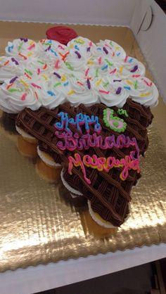 21 Trendy Ideas for cake girl birthday pull apart Cupcakes Design, Cute Cupcakes, Ice Cream Theme, Ice Cream Party, Ice Cream Cone Cake, Cake Cone, Ice Cream Cupcakes, Lemon Cupcakes, Strawberry Cupcakes
