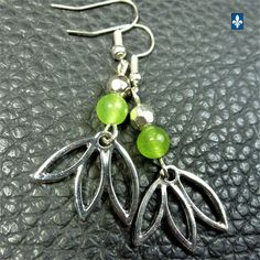 ♥ Light & Refreshing Apple Green Agate & Plated Silver Floral Pendant Earrings