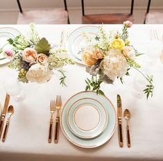 Small flower arrangements for wedding table decorations Blue Table Settings, Beautiful Table Settings, Place Settings, Table Arrangements, Flower Arrangements, Best Wedding Blogs, Plum Pretty Sugar, Wedding Decorations, Table Decorations