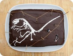 Dinosaur Dig Fossil Bone Bed Cake Tutorial | A Blackbird's Epiphany - UK Handmade and Creative Writing Blog: Dinosaur Dig Fossil Bone Bed Cake Tutorial