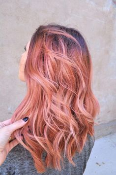 The Rose Gold Hair Color Had Been Up-And-Comming For The Spring 2019 Hair Season, However This Season Features A Rose Gold Balayage. Balayage Is. Pastel Hair, Ombre Hair, Dusty Pink Hair, Pastel Pink, Blush Pink, Pretty Pastel, Blond Rose, Rose Blonde Hair, Rose Pink Hair