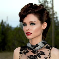 New Single Alert - Sophie Ellis-Bextor releases Love Is A Camera however we are not sold on this new direction are you? Sophie Ellis Bexter, Blue Peter Presenters, Baby Bangs, Square Faces, Long Wavy Hair, Hairstyles Haircuts, Classy Hairstyles, Beauty Makeup, Beautiful People