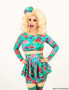 I want Katya to win season 7!!!!