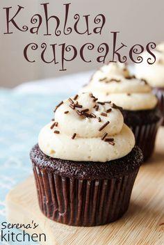 Kahlua Chocolate Cupcakes with Kahlua Cream Cheese Frosting - via www.serenaskitchen.com #kahlua #cupcakes