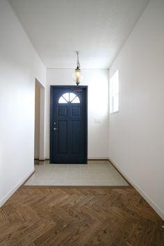 玄関/玄関ホール/シューズクローク/シューズインクローゼット/へリンボーンフロア/インテリア/ナチュラルインテリア/注文住宅/施工例/ジャストの家/entrance/interior/house/homedecor/housedesign
