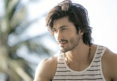 Actor Vidyut Jammwal says he is proud to be an action hero and called it a big achievement. Vidyut made his Boll Bollywood Actors, Bollywood News, Sweet Girl Pic, Pakistani Girls Pic, Photo Background Images, Walk On Water, Real Hero, Most Popular Memes, Hair Goals